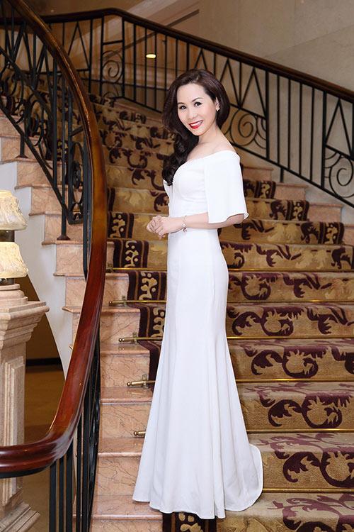 Nữ hoàng Doanh nhân Ngô Thị Kim Chi quyến rũ với sắc trắng | nu hoang doanh nhan kim chi