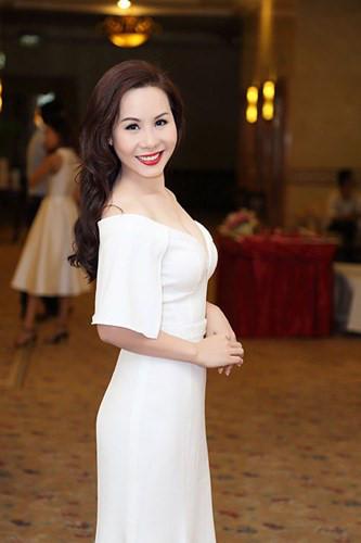 Thời trang lộng lẫy, tôn vóc dáng của Nữ hoàng Doanh nhân Ngô Thị Kim Chi - Kiến Thức