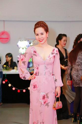 Thoi trang long lay, ton voc dang cua Nữ hoàng Doanh nhân Ngô Thị Kim Chi - Anh 8