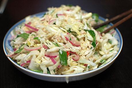 Cách làm gỏi gà trộn bắp cải thơm ngon, đơn giản nhất tại nhà - Phụ Nữ Today