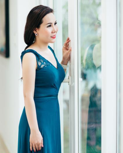 Nu hoang Kim Chi : Dep voi nang thu bang mau xanh quyen ru - Anh 4