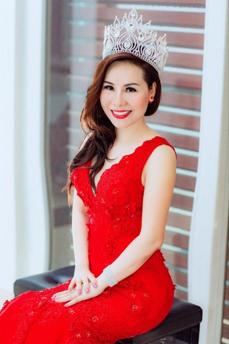 Khám phá vẻ quyến rũ, duyên dáng của nữ hoàng doanh nhân Kim Chi - Đầu Tư