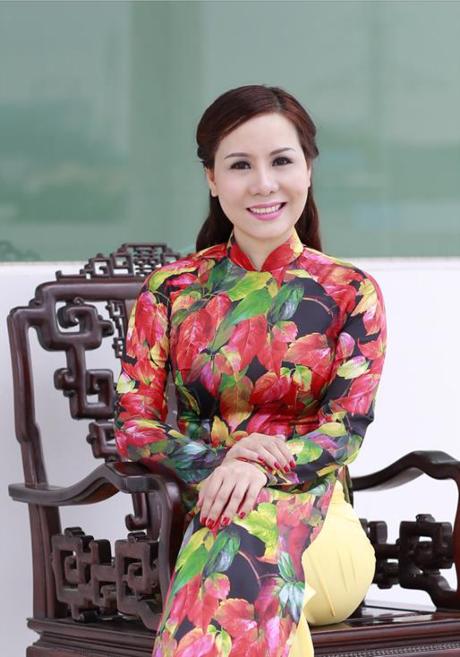 Nu hoang Doanh nhan 2015 toa sang mua thu voi ao dai - Anh 1