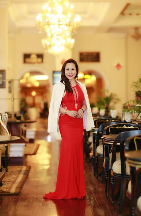 Nu hoang doanh nhan Kim Chi lap lo vong nguc sexy - Anh 4