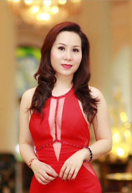 Nu hoang doanh nhan Kim Chi lap lo vong nguc sexy - Anh 5