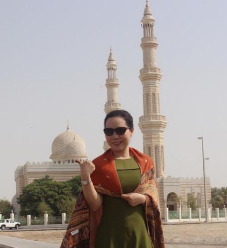 Nu hoang Kim Chi choang ngop voi do giau co cua Dubai - Anh 2