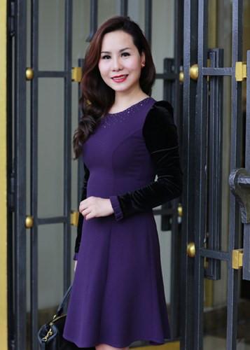Nu hoang Kim Chi dien trang phuc gia