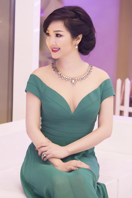 Suc hut kho cuong cua cac my nhan Viet so huu vong mot quyen ru - Anh 4